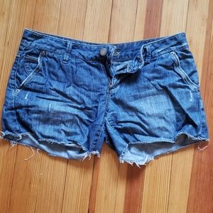 Frayed American eagle Jean shorts
